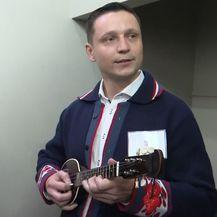 Predsjednica pjeva 'Suzu za zagorske brege' (Foto: Dnevnik.hr)