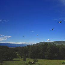 17 savezničkih helikoptera doletjelo u vojarnu Udbina (Foto: MORH)