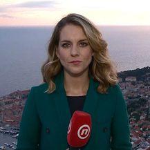 Paula Klaić Saulačić razgovara sa Đurom Caporom iz građanske uinicijative Srđ je naš o stanju tvrđave (Foto: Dnevnik.hr)