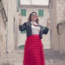 Neda Ukraden prvi put snimila spot u rodnom Imotskom (Video: IN Magazin)