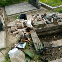 U grobu pronađena velika količina oružja (Foto: PU vukovarsko-srijemska) - 2