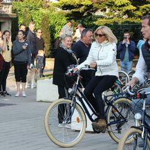 Brigitte Macron u skinny trapericama i gležnjačama