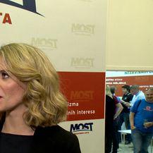 Miro Bulj razgovara s Paulom Klaić Saulačić o obećanim a neispunjenim obećanjima Vlade (Video: Dnevnik.hr)