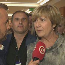 Vjekoslav Đaić razgovara s Ružom Tomašić (Foto: Dnevnik.hr)