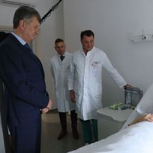 Milan Kujundžić u posjetu klinici za kirurgiju (Foto: Dnevnik.hr) - 1