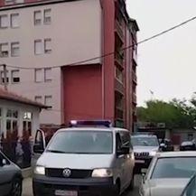 Akcija specijalne policije na Kosovu (Video: APTN)