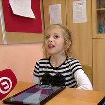Novi udžbenici stižu u digitalnom obliku (Video: Dnevnik Nove TV)