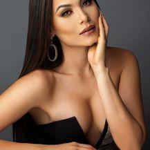 Andrea Meza - 1