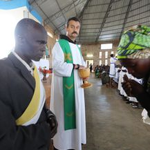 Misa u Kivumu, u Ruandi, koju vodi fra Ivica Perić (Foto: Fabio Šimičev) - 10