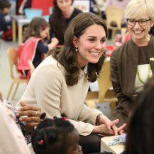 Catherine Middleton u dječjem centru Hornsey Road - 4