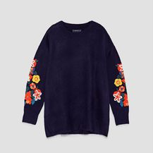 Puloveri s cvjetnim motivima iz trgovina - 6