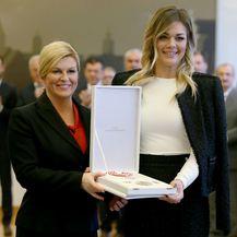 Predsjednica Kolinda Grabar-Kitarović uručila je Sandri Perković priznanje iz područja društvenih djelatnosti
