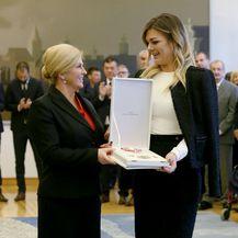 Sandra Perković u pencil suknji brenda LeiLou by Alex Dojčinović - 4