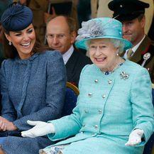 Catherine Middleton i kraljica Elizabeta II.