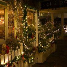 Božićni ambijent u zagrebačkom kafiću Finjak