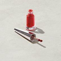 Ruž Stunna Lip Paint brenda Fenty Beauty by Rihanna 24 dolara (153 kn)