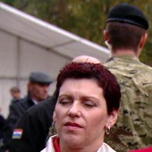 Predsjednica Grabar-Kitarović uzela mikrofon novinaru (Video: Dnevnik.hr)
