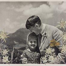 Fotografija Hitlera i djevojčice (Foto: Profimedia)