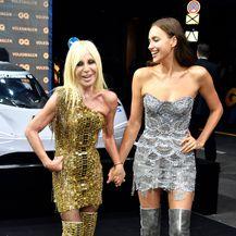 Donatella Versace i Irina Shayk (Foto: Profimedia)