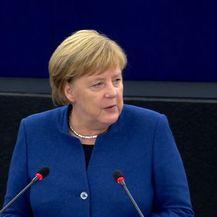 Angela Merkel u Europskom parlamentu govori o budućnosti Europe (Foto: EBS)