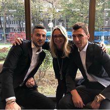 Danijel Subašić i Mario Mandžukić (Foto: Instagram)