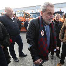 Milan Bandić na štakama obišao zimsku službu (Foto: Robert Anic/PIXSELL)