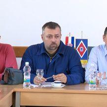 Premijer Plenković u Rijeci (Video: Vijesti u 17 h) - 3
