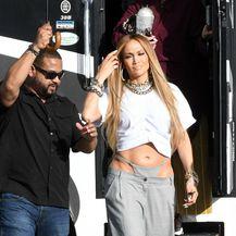 Jennifer Lopez u neobičnim 'tanga-hlačama'