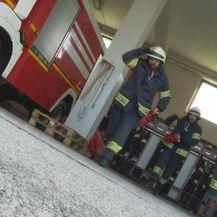 Glumci serije Na granici s vatrogascima DVD-a Sesvete (Foto: Dnevnik.hr) - 1