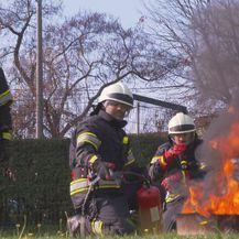 Glumci serije Na granici s vatrogascima DVD-a Sesvete (Foto: Dnevnik.hr) - 3
