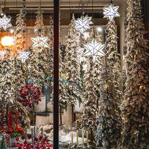 Božićno uređenje izloga cvjetne galerije Saše Šekoranje - 4