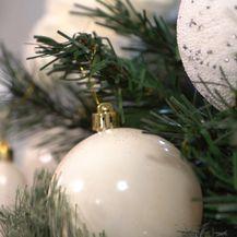 Božićni asortiman u Pevecu