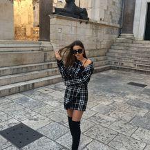 Modna blogerica Anita Martinović u kompletiću od tvida