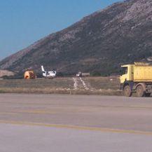Avion sletio na zatvoreni dio Zračne luke Dubrovnik (Foto: Avioradar.hr) 1