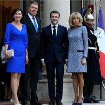 Brigitte Macron u haljini čiji kroj lako sakrije trbuščić - 5