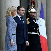Brigitte Macron u haljini čiji kroj lako sakrije trbuščić - 7
