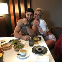 Britney Spears i Sam Asghari (Foto: Instagram)