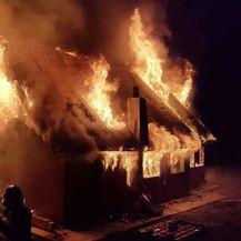Požar na obiteljskoj kući (Foto: DVD Pršlin-Hum) - 1