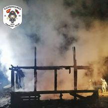 Vatra progutala obiteljsku kuću u Taboru (Video: DVD Pršlin-Hum) - 1