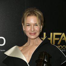 Renee Zellweger - 4