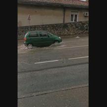 Poplavljena ulica u Rijeci (Foto: Dnevnik.hr) - 3
