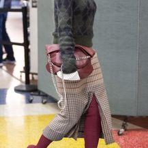 Victoria Beckham u čizmama-čarapama s vlastitim potpisom - 3
