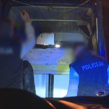 Reporter Nove TV u akciji s policijom (Foto: Dnevnik.hr) - 2