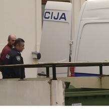 Privođenje osumnjičenog za ubojstvo žene koju su našli u septičkoj jami (Foto: Dnevnik.hr)