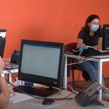 Riječki studenti u prvom covid info centru - 4