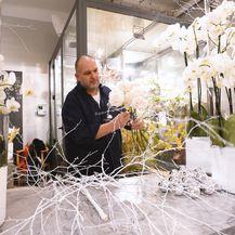 Saša Šekoranja i ove godine uredio je izlog svog cvjetnog atelijera u božićnom duhu - 6