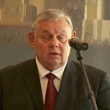 Prisegnuli ustavni suci (Video: Dnevnik Nove TV)