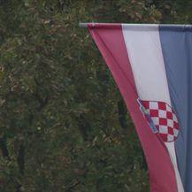 Gradonačelnikovo domoljublje (Video: Dnevnik Nove TV)