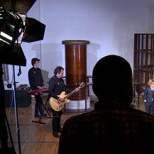 Teška industrija zamijenila pjevačicu (Video: IN magazin)