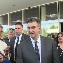 Premijer tvrdi da nije znao za tajne sastanke (Video: Dnevnik Nove TV)